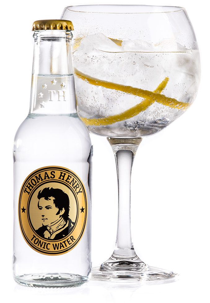 Billede af gin og tonic med Thomas Henry tonic