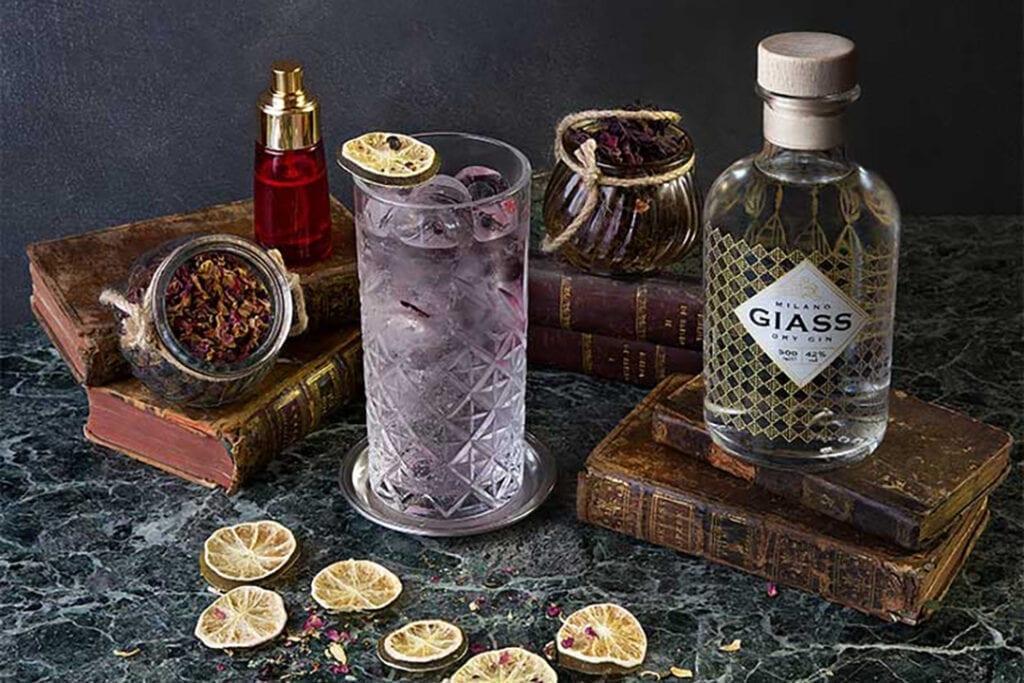 Billed af AIR - en cocktail med GIASS Milano Dry Gin
