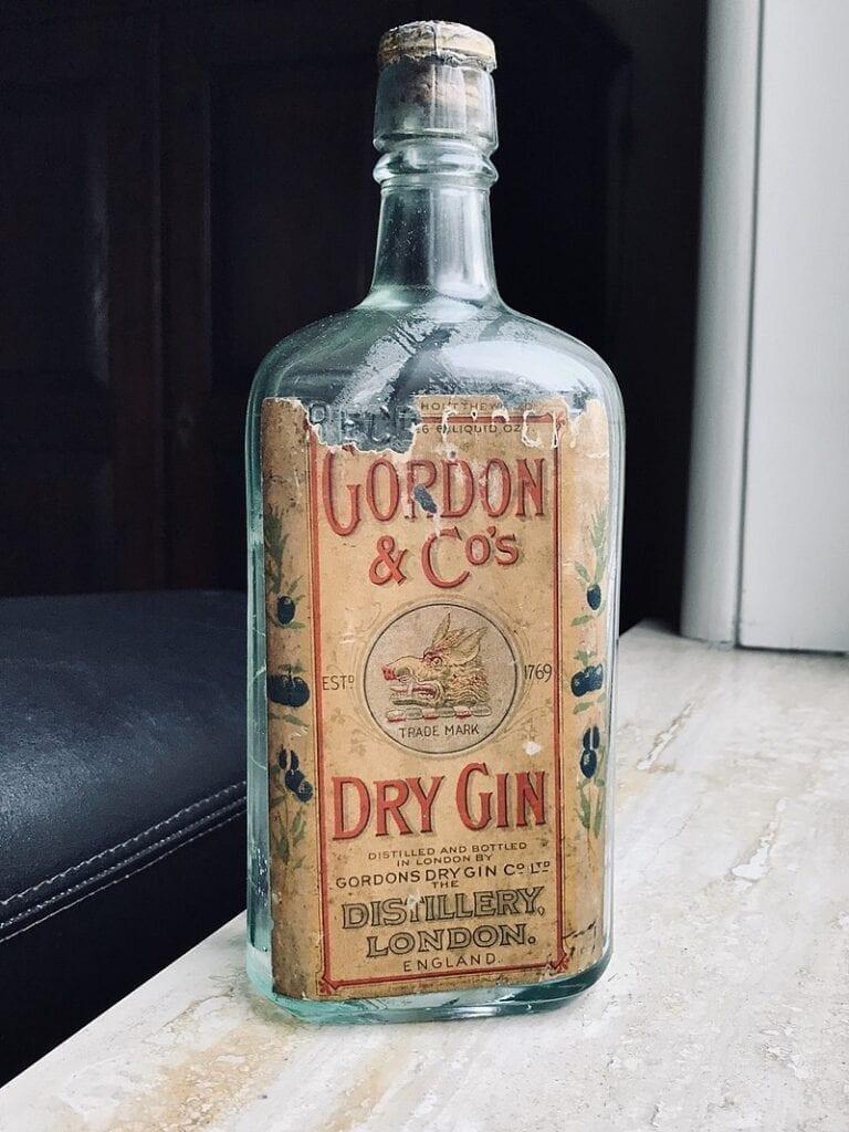 Gammel flaske Gordon gin