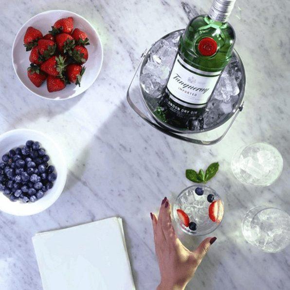 Tanqueray med jordbær og blåbær